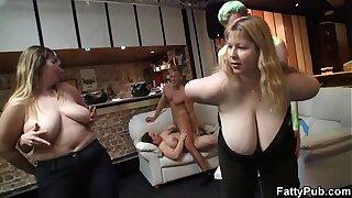 Guy fucks chubby party girl in bbw bar