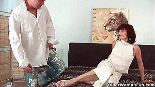 Granny gets a good fuck and creamy facial