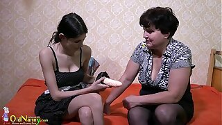 OldNanny mature lady enjoying lesbian strapon