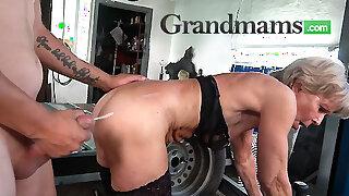Big cumshot for wrinkled granny