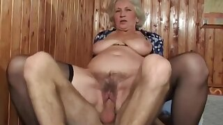 Mature bush - busty grandma with hairy pussy in amateur hardcore with cumshot